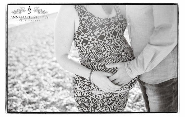 contemporary maternity photographer