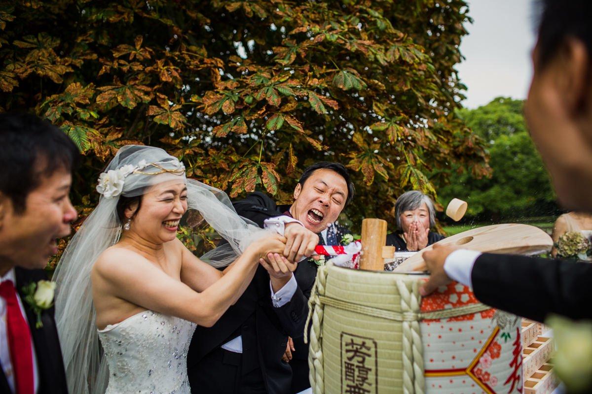 Eltham-Palace-wedding-photographer-30