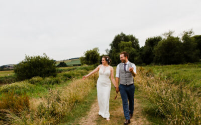 Bury Manor Barn Wedding Photographer – Jem & Pete's Relaxed Barn Wedding