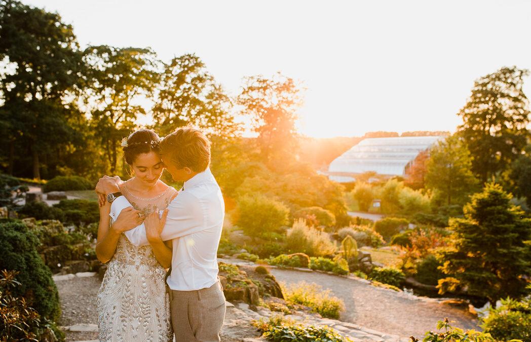 RHS Wisley Gardens Wedding – Jo & Will's Stunning Glasshouse Wedding